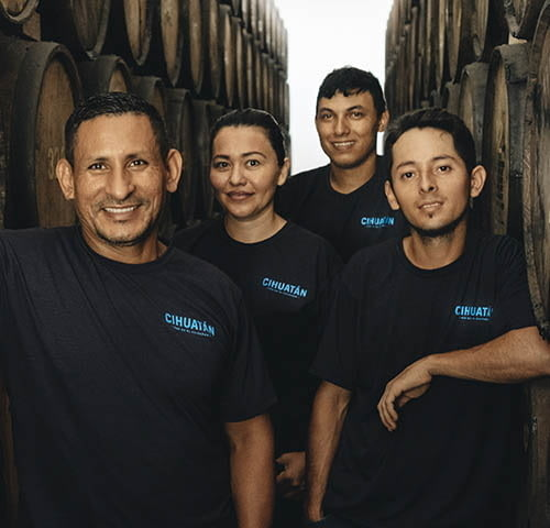 distillerie-cihuatan-equipe.jpg