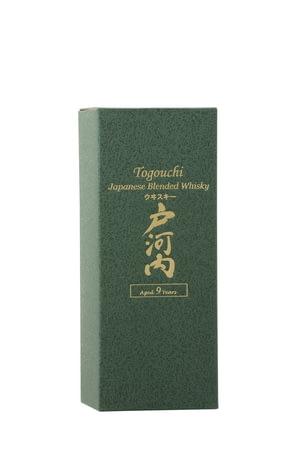 whisky-japon-togouchi-9-ans-etui-droite.jpg